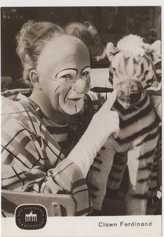 AK DDR Deutscher Fernsehfunk 1966 Clown Ferdinand mit Zebra ! | eBay Harlequin Mask, Pantomime, East Germany, Ferdinand, Good Movies, Berlin, Everyday Objects, Digital Marketing, Memories