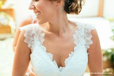 Love the lace on this dress.  Simple. GINGER ROGERS wedding dress from atelier A MODISTA • wedding venue.  Ruella Bistro  • photo. Danilo Siqueira - Let's fotografar • make + hair. Fe Guedes  •   http://www.anoivadebotas.com.br/luciana-e-tomaz-mini-wedding-no-ruella/lu16/