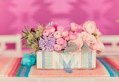 bouquet de fleurs dans boite dessinée