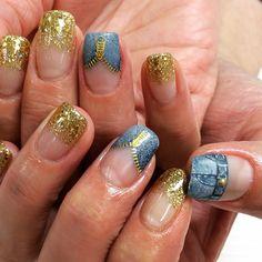 で  デ  デニム風ネイル♪ * #nail #nails #nailart #ネイル #ネイルアート #gel #gelnail #ジェル #ジェルネイル #デニム #denim #デニム風 #手描き #春 #春ネイル #spring #springnail