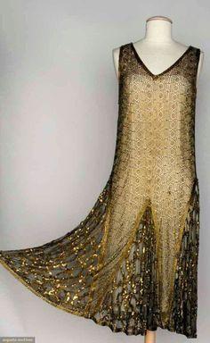 Vintage Fashion BEADED DANCE DRESS, Beige net w/ allover geometric pattern in gold beads, gold sequin trim Art Deco Fashion, Retro Fashion, Vintage Fashion, Fashion 1920s, Edwardian Fashion, 1920s Fashion Dresses, Flapper Fashion, Gothic Fashion, 20s Dresses
