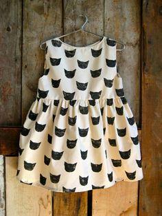 Black Cat print dress by Leah Goren. Fashion Kids, Little Girl Fashion, Baby Outfits, Kids Outfits, Skater Outfits, Emo Outfits, Disney Outfits, Cat Dresses, Girls Dresses