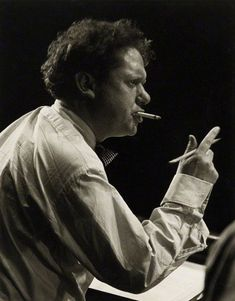 "Dylan Thomas Welsh poet and writer whose works include the poems ""Do not go gentle into that good night"" and ""And death shall have no dominion"". Dylan Thomas, Writers And Poets, Writers Write, Book Writer, Playwright, Portrait Photo, In This World, Famous People, The Past"