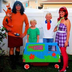 creative family halloween costumes | homemade-matching-family-halloween-costumes-21