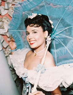 A look back at the career of Lena Horne, the singer, actor and activist who has died aged 92 Lena Horne, Hollywood Glamour, Classic Hollywood, Old Hollywood, Lisa Bonet, Disney Channel Stars, Josephine Baker, Will Turner, Black History Month
