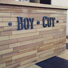 Очень приятное местечко Boy Cut Самара , стильно, обстановка радует!!! А когда здесь присутствует работа Мастерской Ваша буква еще радостней!!! #вашабуква63 #вашабуквасамара #boycut_samara #буквы #буквыиздерева #логотипвсамаре