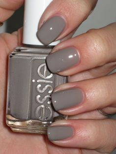 Chinchilly Sleek Granite Gray Nail Polish, Nail Color & Nail Lacquer by Essie. Create a stunning at-home manicure with the sleek & sexy granite gray nail color. Nail Polish Online, Fall Nail Polish, Essie Nail Polish, Nail Polish Colors, Nail Colour, Essie Colors, Fall Nail Colors, Gray Nails, Tips Belleza