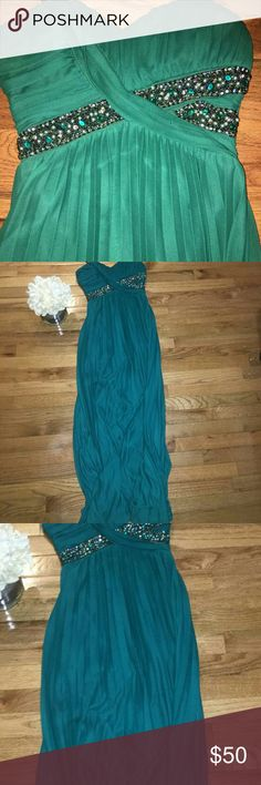 Blue Green Embellished Gorgeous Prom Dress Wedding Bluish/green prom dress. Gorgeous beading and color. Perfect prom dress. Size 2-4 Dresses