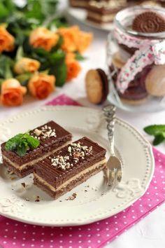Juditka konyhája: ~ PILÓTA KEKSZ SZELET ~ Hungarian Cake, Hungarian Recipes, Sweet Cookies, Something Sweet, Tiramisu, Waffles, Paleo, Food And Drink, Waffle