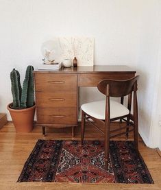 Simple And Classy Home Office Design Ideas – With the changing trend of the modern economy, the job market has gone through a sea of changes. Nowadays there are many job options open to people wh… Home Office Design, Home Office Decor, Home Design, Office Furniture, Living Room Designs, Living Spaces, Retro Home Decor, Küchen Design, Design Ideas
