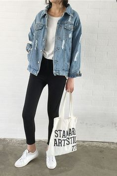 T-shirt Und Jeans, Nordstrom Jackets, Jean Jacket Outfits, Girl Sleeves, Types Of Jackets, Distressed Denim, Pure Products, Casual Jackets, Jean Jackets