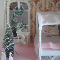 47 Wreath Over Bed For Bedroom Christmas Decoration