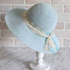 hat free pattern Beautiful beach hat you can DIY with free crochet pattern, includes helpful tips & methods to perfect the beach hat. With detail photos & instructions. Bonnet Crochet, Crochet Motifs, Crochet Stitches Patterns, Crochet Beanie, Crochet Yarn, Free Crochet, Crochet Geek, Beginner Crochet, Sombrero A Crochet