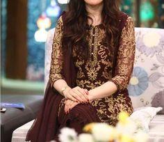 images about dpz on We Heart It Pakistani Couture, Pakistani Outfits, Indian Outfits, Couture Dresses, Bridal Dresses, Fashion Dresses, Simple Dresses, Beautiful Dresses, Casual Dresses