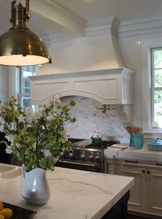 Santa barbara design house by steve thompson caroline for Santa barbara kitchens