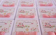 """Caixinhas em papel cartão tema """"Corujinha"""" para lembranças. Pode ser personalizada em qualquer tema. Tamanho 7x7x4cm. R$ 4,60"""
