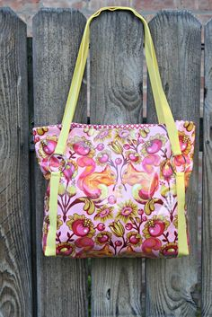 Today, I'm excited to bring you a simple tote pattern that you can   make using quilt batting! I made mine with a laminate fabric, but you can absolutely make it with quilting cotton or decor weight. Today's post is also part of 'Purse Week' on A Lemon Squeezy Home. This is a great series of… Read More
