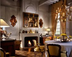Dining room of Chateau du Tertre, Margaux, Axel Vervoordt