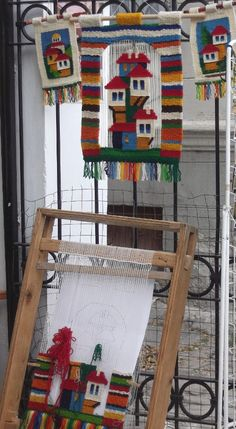 Carpets And Flooring Near Me Weaving Loom Diy, Weaving Art, Tapestry Weaving, Hand Weaving, Foto Blog, Wool Art, Art Textile, Weaving Projects, Woven Wall Hanging