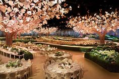 Garden theme wedding...BEAUTIFUL!
