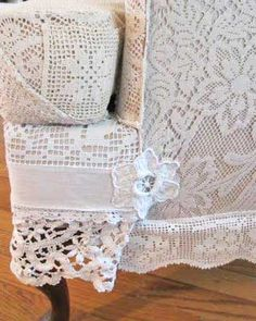 Using lace to reupholster a chair...LOVE!  No instructions, picture only.