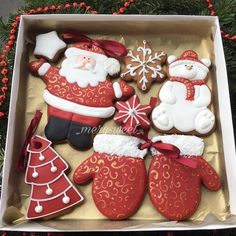 Cute and Easy Christmas Cookies Ideas You'll Love This Holiday Season - Page 17 of 75 - Kornelia Beauty Cute Christmas Cookies, Christmas Sweets, Christmas Cooking, Noel Christmas, Christmas Goodies, Christmas Decorations, Santa Cookies, Iced Cookies, Cute Cookies