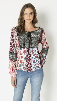 Blusa ampla crepe - shoulder refashion,sewing and upcycled i Blouse Batik, Blouse Dress, Hijab Fashion, Fashion Outfits, Refashion, Vintage Outfits, Ideias Fashion, Couture, T Shirt
