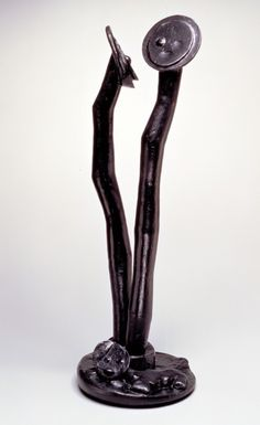 Les Ames-soeurs (Sister Souls) by Max Ernst, 1961. Bronze, 36⅝ × 12 × 12½ inches. Nasher Sculpture Center, Dallas, TX.