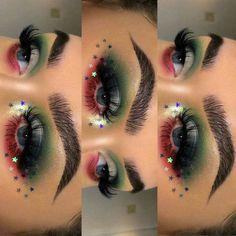 Makeup 101, Makeup Goals, Makeup Inspo, Makeup Inspiration, Christmas Makeup Look, Holiday Makeup Looks, Make Up Looks, Eyeliner Tutorial, Mexican Makeup
