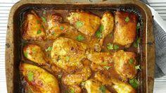 Pro milovníky indické kuchyně tu máme recept na velmi snadné voňavé máslové kuře. Můžete použít na menší díly naporcovaná kuřecí stehna nebo zkuste vykostěná kuřecí stehna. Jídlo bude rychleji hotové a maso krásně šťavnaté. Curry Recipes, Meat Recipes, Mexican Food Recipes, Chicken Recipes, Cooking Recipes, Ethnic Recipes, Recipies, Kos, Curry Dishes