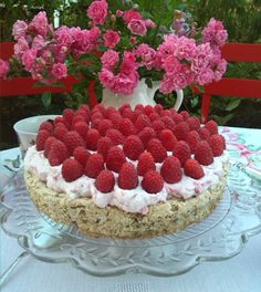 Delicious CAKE with HAZELNUTS, FRESH RASPBERRIES & WHIPPED CREAM with RASPBERRIES, my own recipe on http://marlenesmadblog.dk/