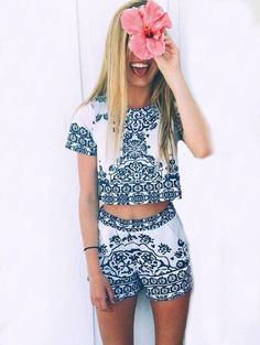 Two Piece Outfits Beauty Redefined, Short Playsuit, T Shirt And Shorts, Two Piece Outfit, Passion For Fashion, Spring Outfits, What To Wear, Cute Outfits, Blue And White