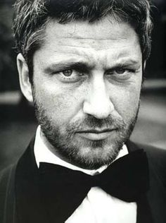 mr. sexy beard. #gerard butler#