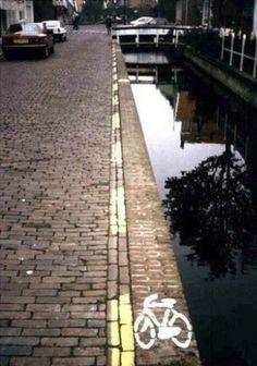 Artist unknown Location Amsterdam #streetart
