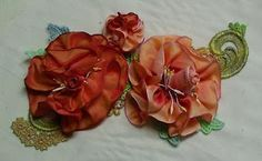 Shawkl: Wire Ribbon Rose Tutorial - Crazy Quilt & Embroidery Designs by Kathy Shaw Ribbon Art, Ribbon Crafts, Fabric Ribbon, Wired Ribbon, Flower Crafts, Ribbon Rose, Craft Flowers, Fabric Art, Embroidery Designs