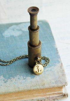 http://cheapholidayticket.com World Traveler SPY GLASS Necklace. Antique