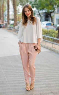 Fabulous Tips on How to Wear Colored Pants - DesignerzCentral