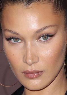 Close-up of Bella Hadid at the 2018 Magnum x Alexander Wang party in Cannes. - - Close-up of Bella Hadid at the 2018 Magnum x Alexander Wang party in Cannes. Eye Base Tips Styles Tutorial 2019 Eye Base ideas Tips and Tutorials for . Makeup Trends, Makeup Inspo, Makeup Inspiration, Makeup Tips, Eye Makeup, Hair Makeup, Makeup Ideas, Retro Makeup, Party Makeup