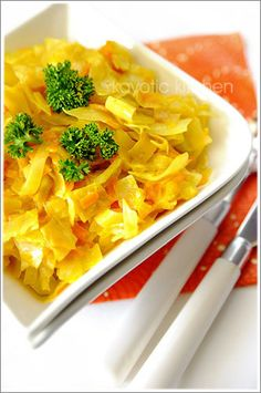 Kenyan Curried Cabbage - Could probably replace the milk with coconut milk. Vegetable Recipes, Vegetarian Recipes, Cooking Recipes, Healthy Recipes, Indian Food Recipes, Ethnic Recipes, African Recipes, Kenyan Recipes, Cooking With Coconut Milk