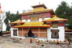 Monasteries in Gangtok Enchey monastery at Gangtok belongs to the Nyingma order of Vajyarana Buddhism – SIKKIM Gangtok, India Tour, Tourist Places, Places Of Interest, Travel Essentials, Buddhism, Tourism, Explore, House Styles