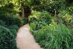 14 τρόποι για να κάνεις έναν μικρό κήπο να δείχνει πολύ μεγαλύτερος!