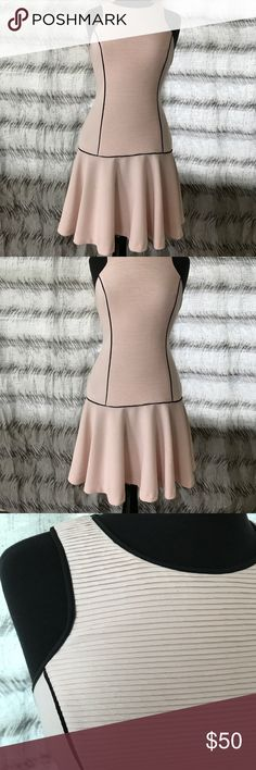 Banana Republic Racer Back Pink & Black Dress Banana Republic Racer Back Pink & Black Dress awesome dress super comfortable size 2 but easily fits a size 4. In good condition great to wear for many occasions dinner, work, baby showers, bridal showers etc. Banana Republic Dresses Midi
