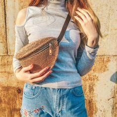 Bag Crochet, Crochet Handbags, Crochet Purses, Diy Handbag, Woven Belt, Macrame Bag, Belt Pouch, Hip Bag, Knitted Bags