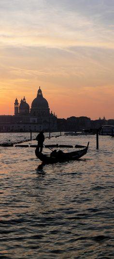 Late Gondola. Santa Maria Della Salute, Dorsoduro, Venice, Italy.