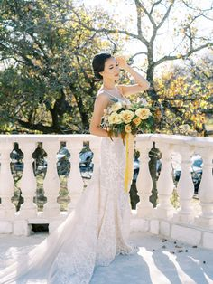 Stunning Fall Florals Wedding Inspiration – Amy Odom Photography – Brighton Abbey – Bridal Musings 39
