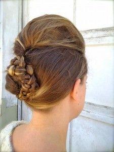 DIY bride braid bun with a bouf. Simply Hairstyles, Simple Wedding Hairstyles, Winter Hairstyles, Elegant Hairstyles, Bride Hairstyles, Official Hairstyle, Beehive Hair, Diy Wedding Hair, Bridal Hair Flowers
