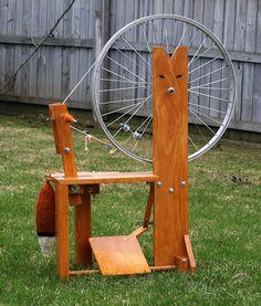 Make a spinning wheel plans. Uses an old bike wheel Diy Spinning Wheel, Spinning Wool, Hand Spinning, Spinning Wheels, Drop Spindle, Art Du Fil, Loom Weaving, Yarn Crafts, Fiber Art
