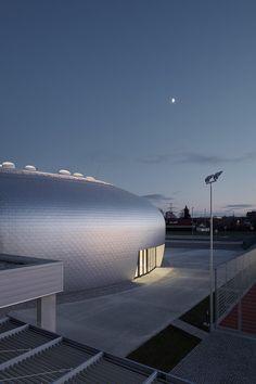 Сияющий спортивный центр в Чехии | AD Magazine