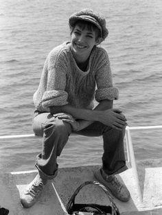 Jane Birkin as news boy = love