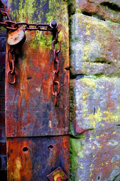 wood brick chain and lock by *chriseastmids on deviantART